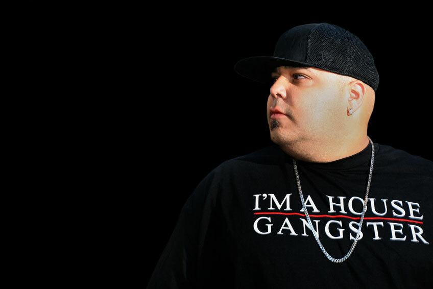Смотрите виниловый микс DJ Sneak на новых вертушках Pioneer