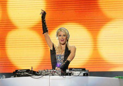 Paris Hilton назвали девушкой-диджеем года