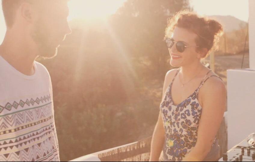 Смотрите видео с участием Annie Mac и Uppfade c конкурса Corona SunSets