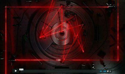 Смотрите видео, как работает лазер в cd-плеере
