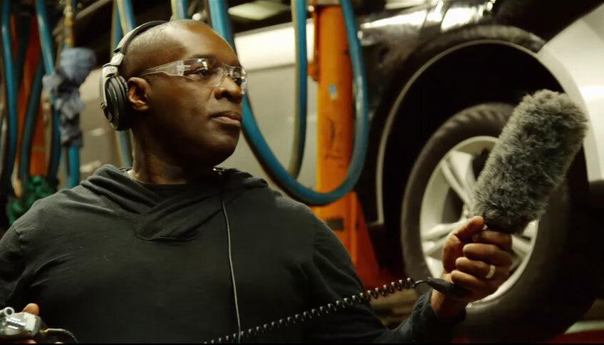 Смотрите, как Kevin Saunderson охотится за звуками на заводе Ford