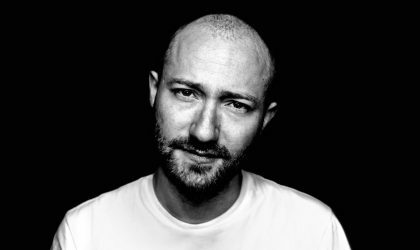 Смотрите видео Paul Kalkbrenner, снятое на крыше Kraftwerk Berlin