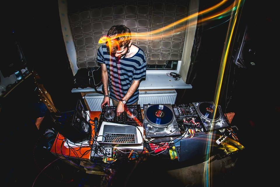 Слушайте микс Judzhen для Datenbits Recordings