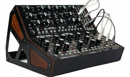 Moog выпустил полумодульный синтезатор Mother-32