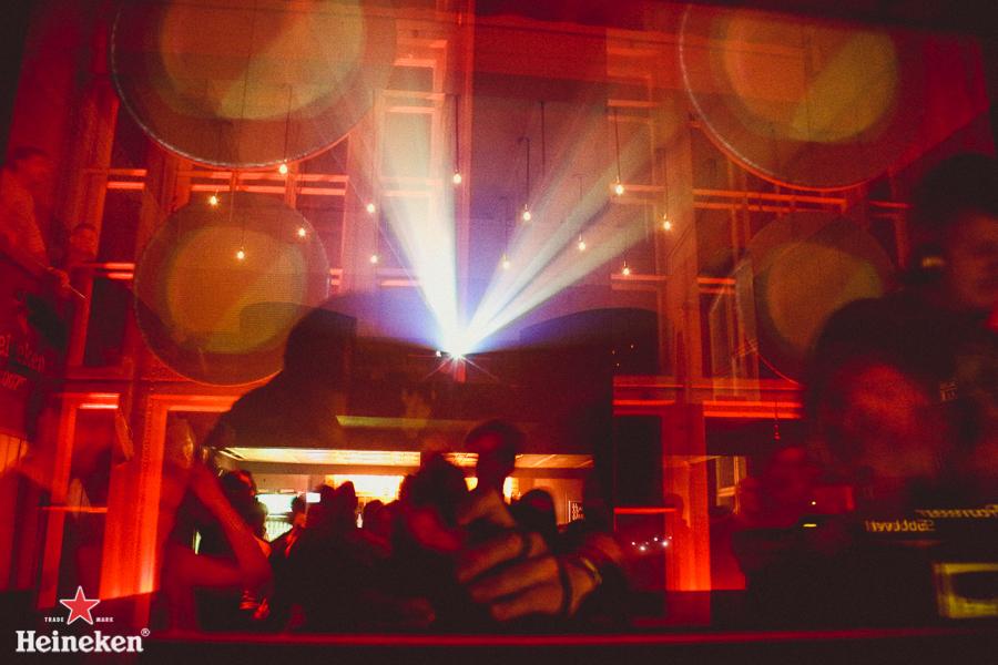 Обзор: M.A.N.D.Y. на сцене ONE ONE: фрагмент Берлина в Риге
