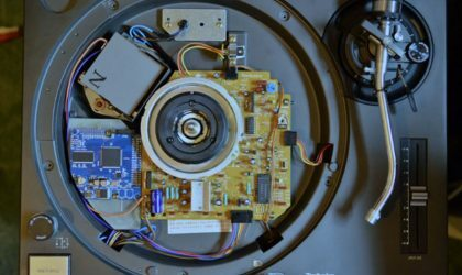 Российский умелец заставил Technics 1200 играть не только винил, но и цифровые файлы