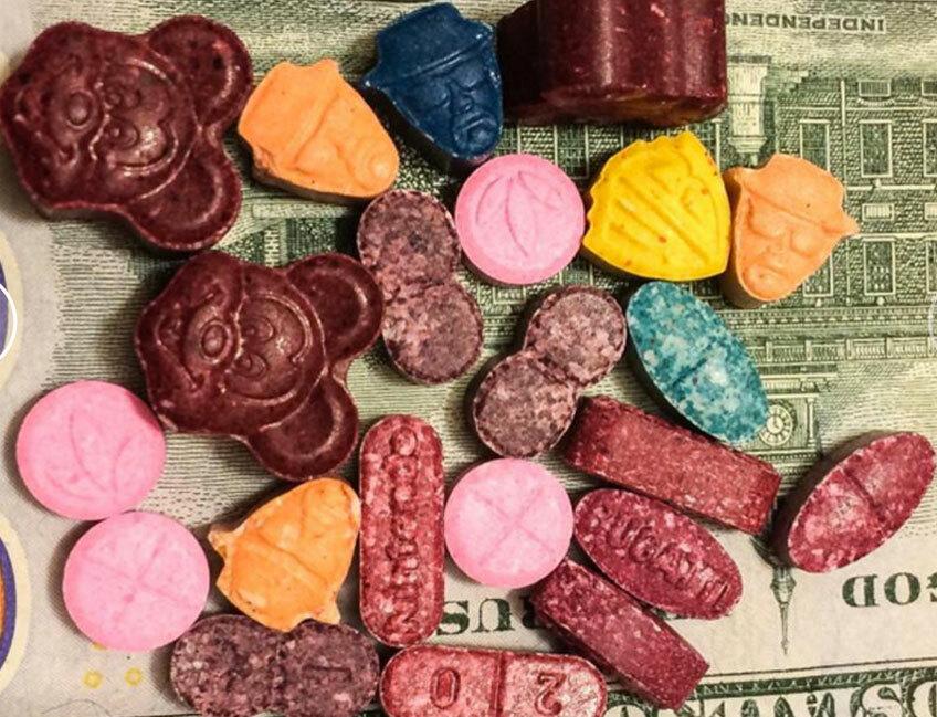 Американская лаборатория тестирует и публикует данные о наркотиках
