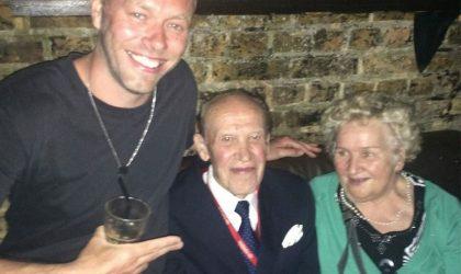 70-летняя пара ночь напролет танцевала в клубе Fabric