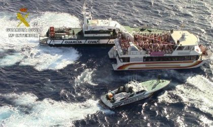 Испанская полиция наведалась с рейдами на несколько вечеринок на кораблях