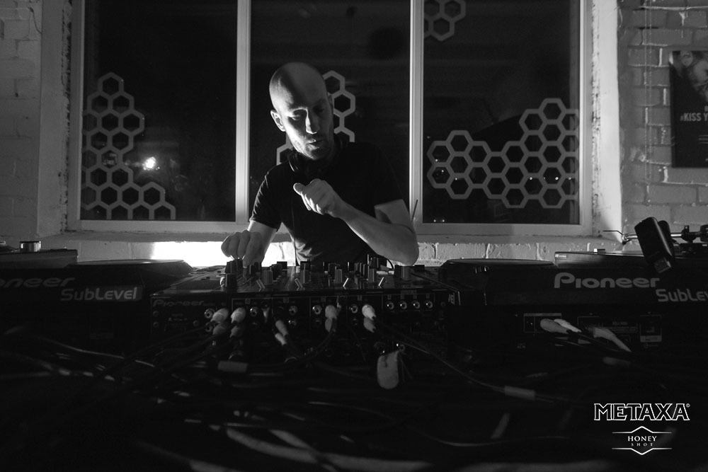 Фотографии с запуска вечеринок Amber Muse's LOFT Project при участии Shur-i-kan