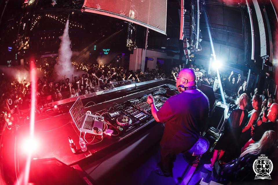 Смотрите и слушайте виниловый сет Carl Cox на закрытии его вечеринок в клубе Space Ibiza