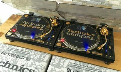 На eBay выставлена на продажу редкая пара позолоченных Technics SL-1200 GLD