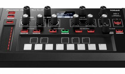 Pioneer DJ объявил о выходе аналогового моно-синтезатора Toraiz AS-1