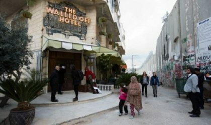 Banksy открыл отель на окраине Вифлеема с видом на 8-метровую стену