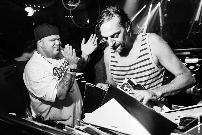 Запись классического сета Ricardo Villalobos и DJ Sneak на вечеринке Cocoon Ibiza