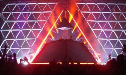 Трибьют-группа Daft Punk построит такую же пирамидальную сцену, как и французы