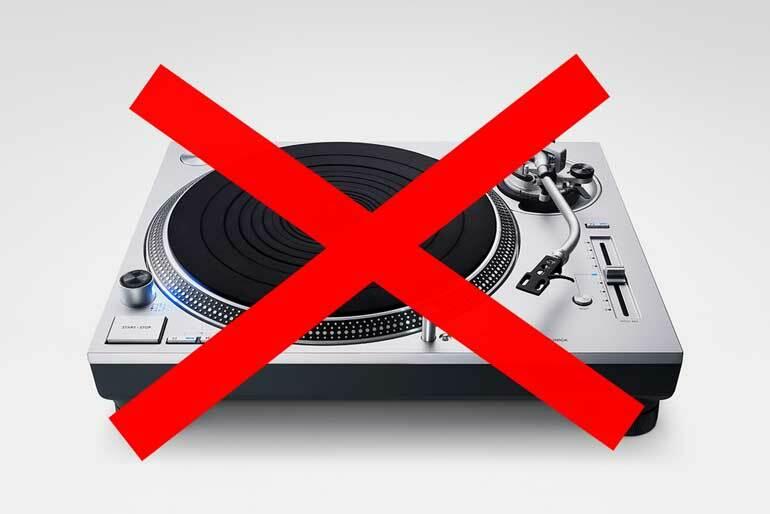 Берлинский ночной клуб запретил у себя виниловые проигрыватели и CDJ
