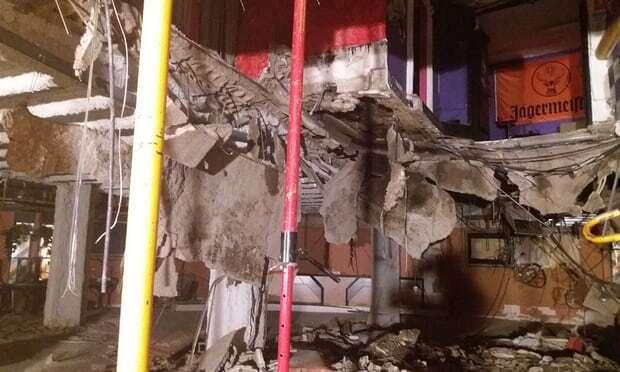 В ночном клубе на Тенерифе обрушился пол и 22 человека провалились в подвал