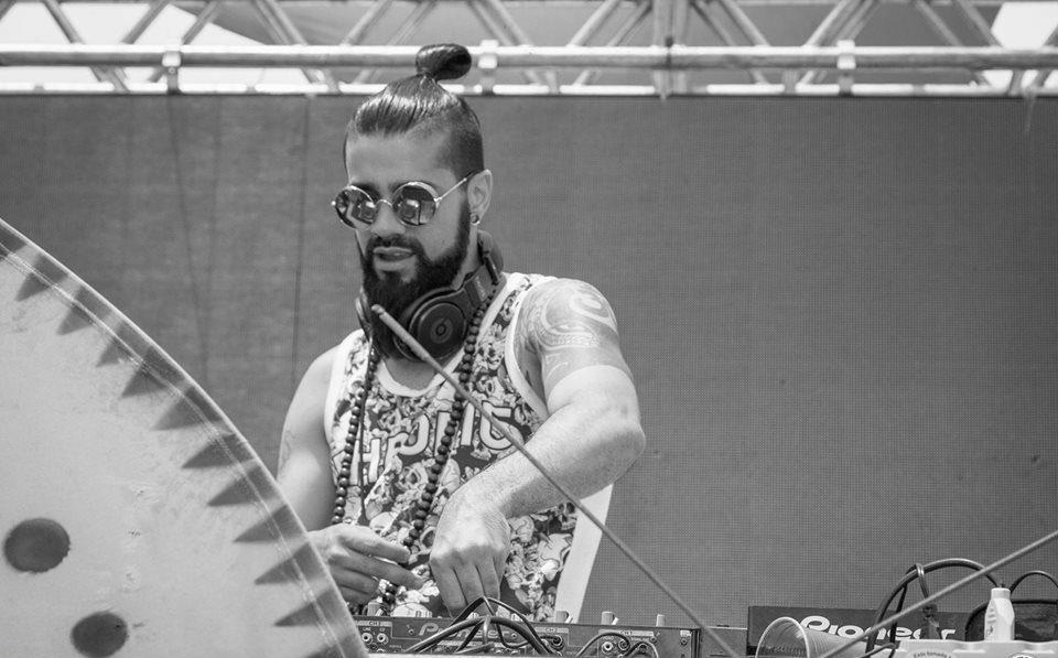 В результате обрушения сцены на Atmosphere Festival погиб диджей