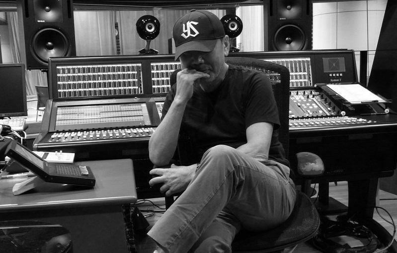 Писатель Харуки Мураками проведет музыкальное радиошоу на Tokyo FM