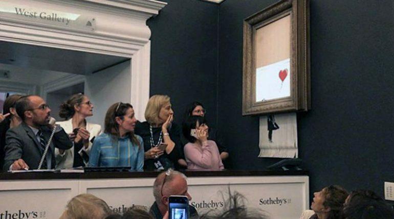 Картина Бэнкси самоуничтожилась сразу после продажи на «Сотбис»