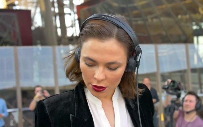 Нина Кравиц сыграла на Эйфелевой башне