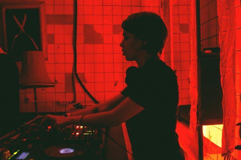 Николь Касенко: «В Atelier мы творим сами. Захотели – организовали вечеринку, захотели – в Риге, захотели – сегодня!»