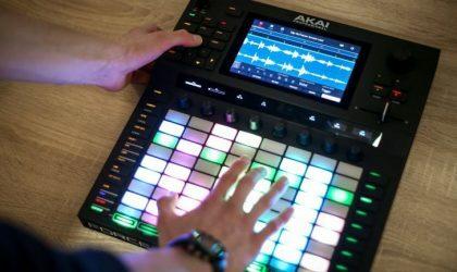 Akai показала новую цифровую аудиостанцию Force. Она похожа на Ableton Push, но работает без компьютера