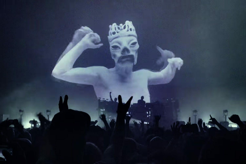 Новый клип The Chemical Brothers «MAH» снят на концерте в Лондоне