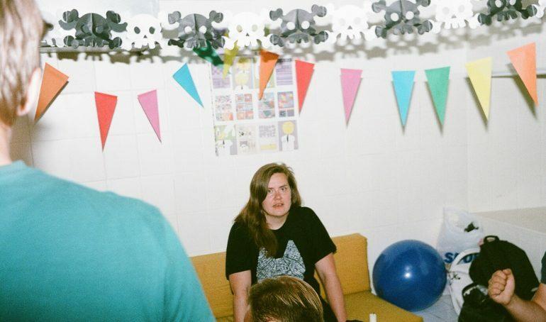 Слушайте микс Lévi для Latvian Drag King Collective
