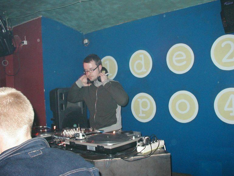 Слушайте трайбл-микс  DJ Lucky F, записанный в 1999 году