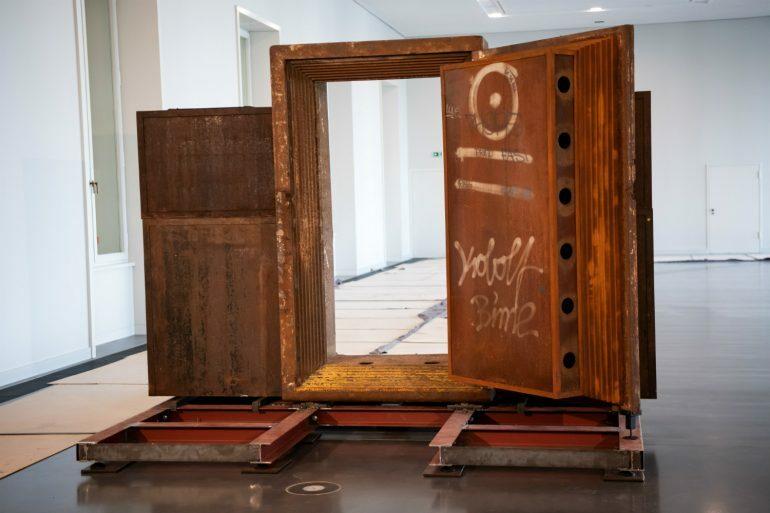 Дверь берлинского клуба Tresor выставили в музее