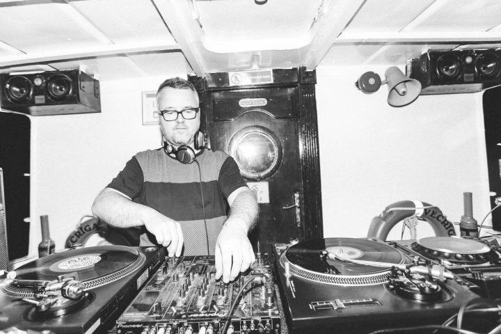 Классика хауса в виниловом миксе Богдана Тарана с вечеринки Amber Muse's Das Boot
