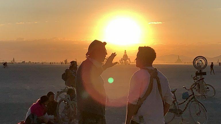 Слушайте сет Alisher Sherali из лагеря Burners without Borders на Burning Man