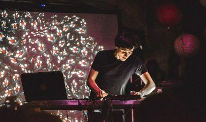 Музыкант Антон Маскелиаде выпустит книгу-учебник «Твой первый трек»
