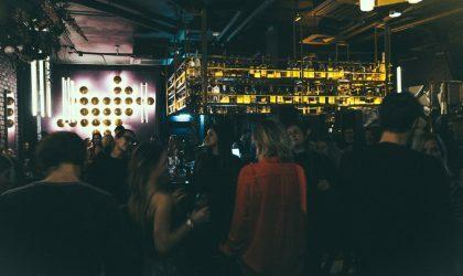 Фото: Discoteka Assorti в баре Le Kiki