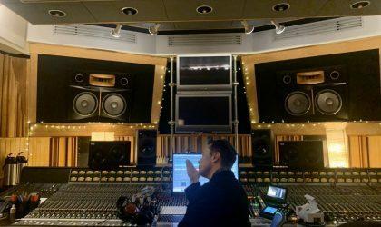 Илон Маск снова в аудиостудии. Он записал эйфорический прогрессив-хаус