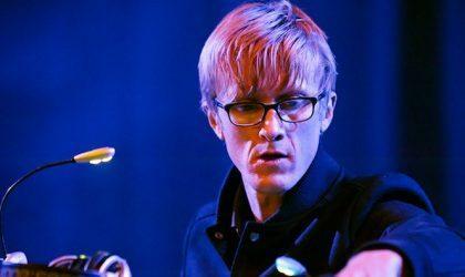Jas Shaw из Simian Mobile Disco записал техно-микс для Insult To Injury