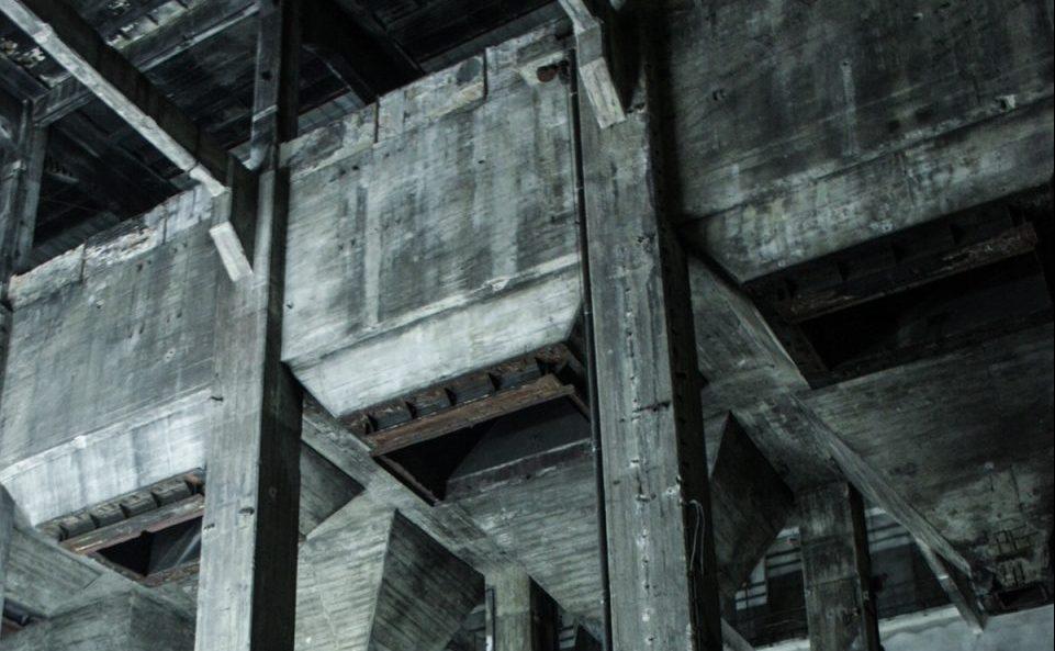 Смотрите видео с выставки-инсталляции «Eleven Songs» в Berghain