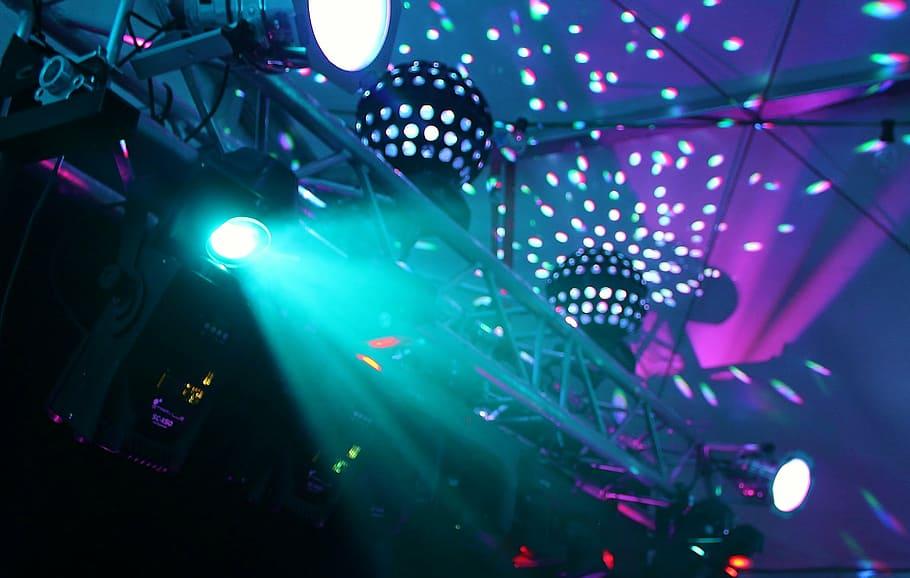 В Москве снова разрешили ночные вечеринки