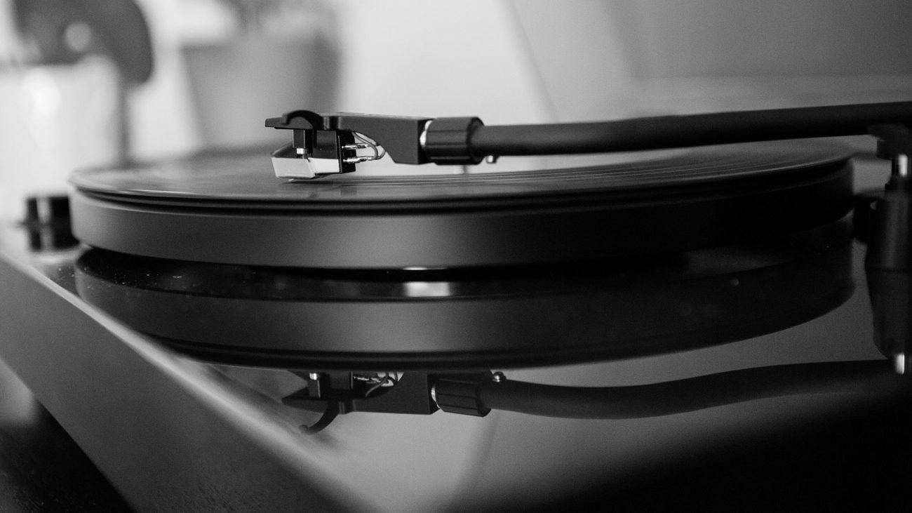 Bandcamp будет штамповать пластинки для артистов