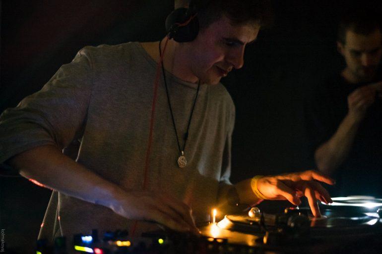 Денис Шубин сыграл на дебютной вечеринке KRASAVA35. Слушайте запись его сета