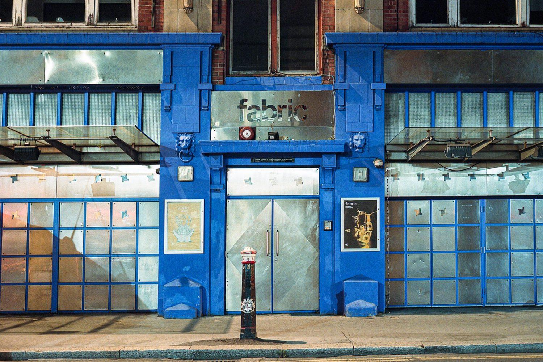Как выглядят закрытые клубы Лондона: вышла серия принтов с фотографиями