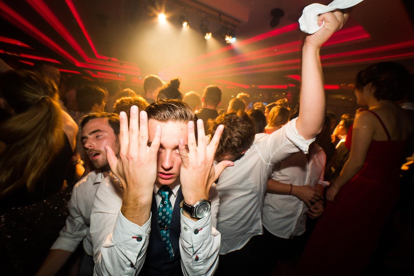 Пасхальный уик-энд в Риге: закрыта нелегальная вечеринка на 47 человек