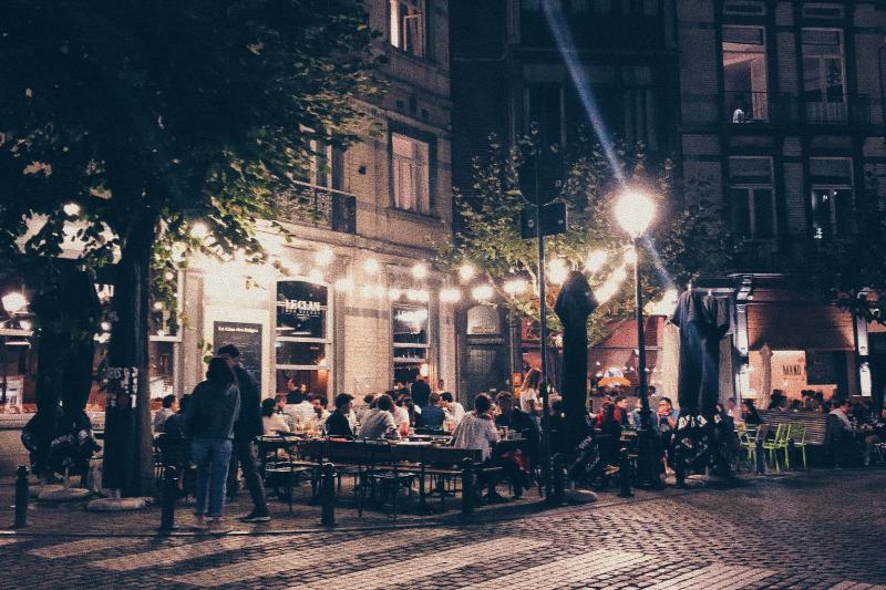 Террасы в Латвии теперь могут работать до полуночи