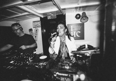 Винил и солфул-вокал: фотографии со второй вечеринки Amber Muse's Das Boot
