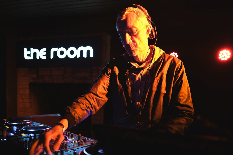 В Риге впервые сыграл DJ T из Get Physical. Смотрите фотографии