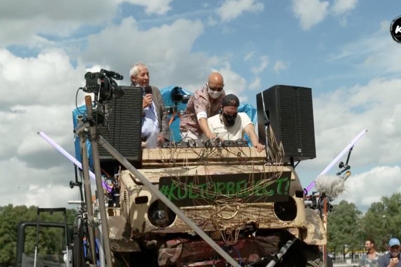 Культура на колесах: в Ригу едет музыкальная фура Culture Trucking клуба Sysiphos